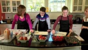 Teens Cook: French Edition – Episode 1 – Apple Roses