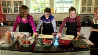 Teens Cook: French Edition – Season 1 – Episode 1 – Apple Roses (Pilot)